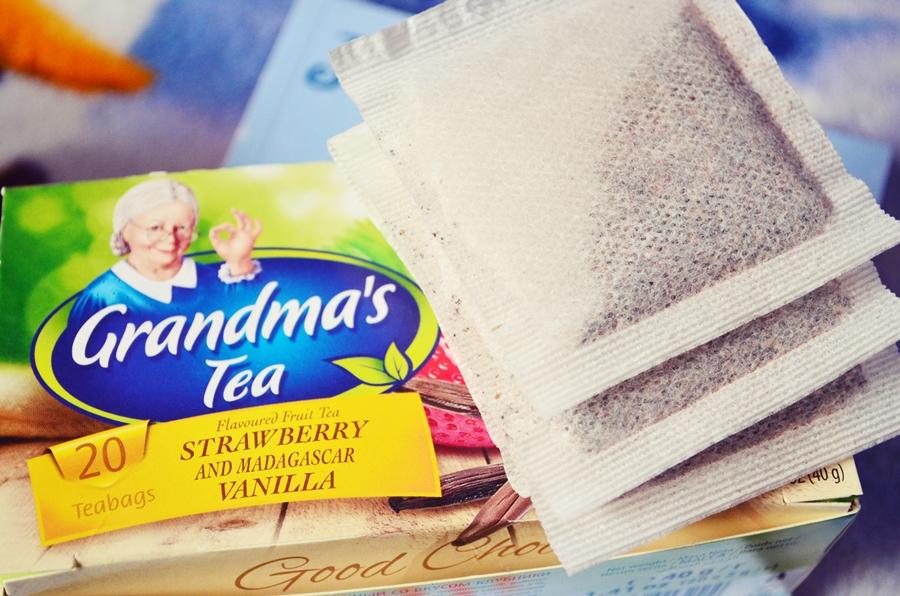 prezentare cutie ceaiul bunicii capsune si vanilie