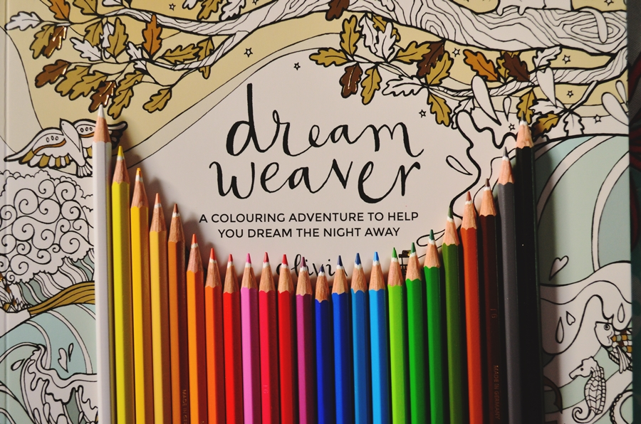creioane colorate pe coperta carte de colorat dream weaver
