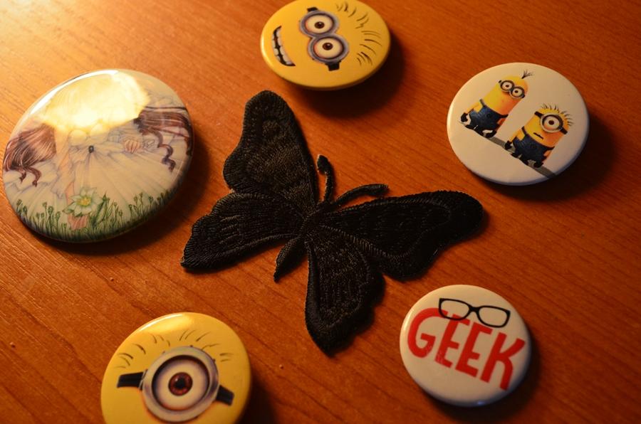 aplicatie fluture negru insigne minioni