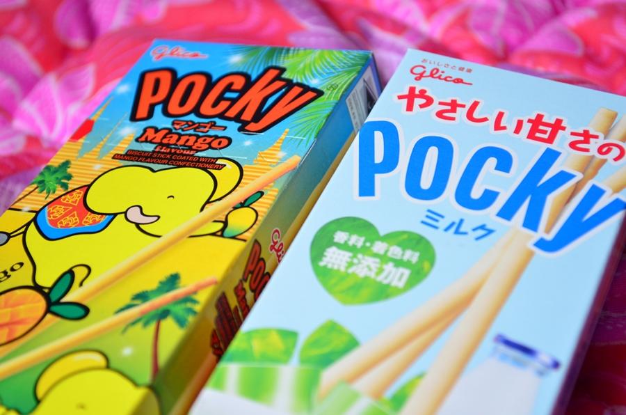 dulciuri japoneze pocky mango ciocolata alba