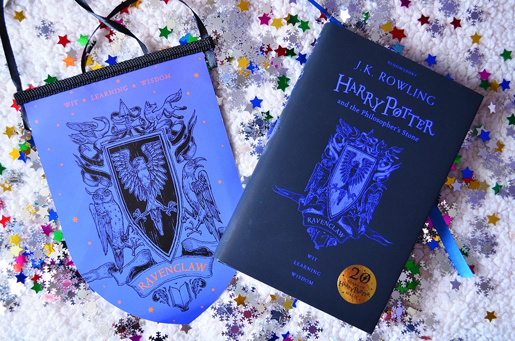 20 ani harry potter philosopher's stone piatra filozofala fanion editie aniversara carte ravenclaw