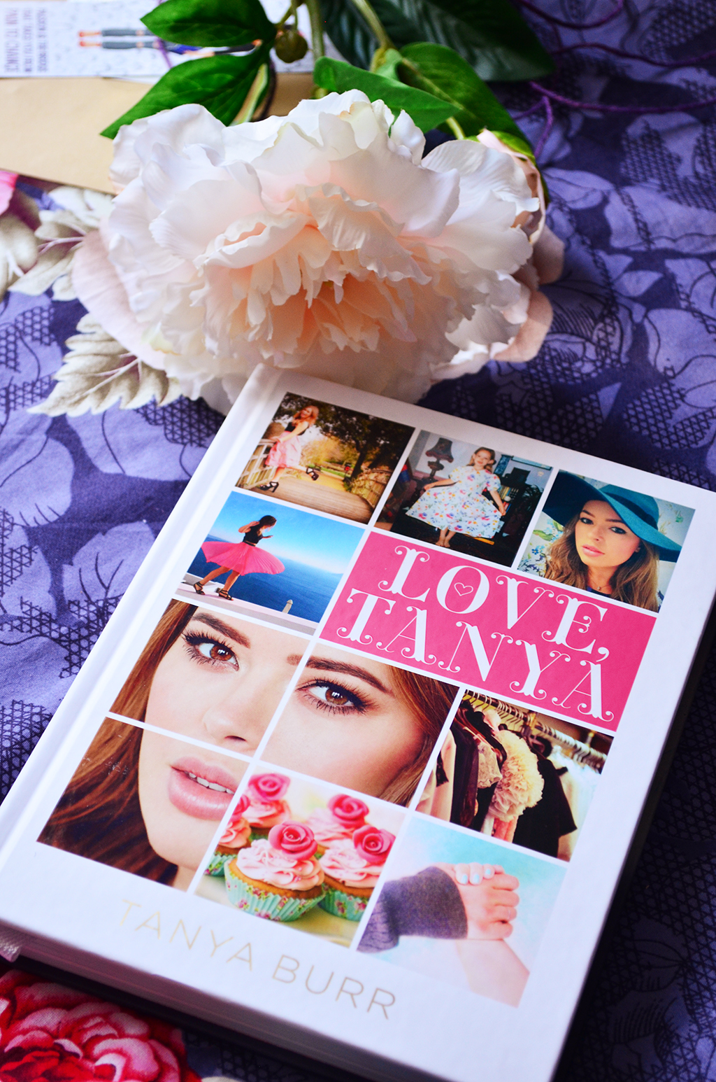 recenzie carte book review love tanya burr