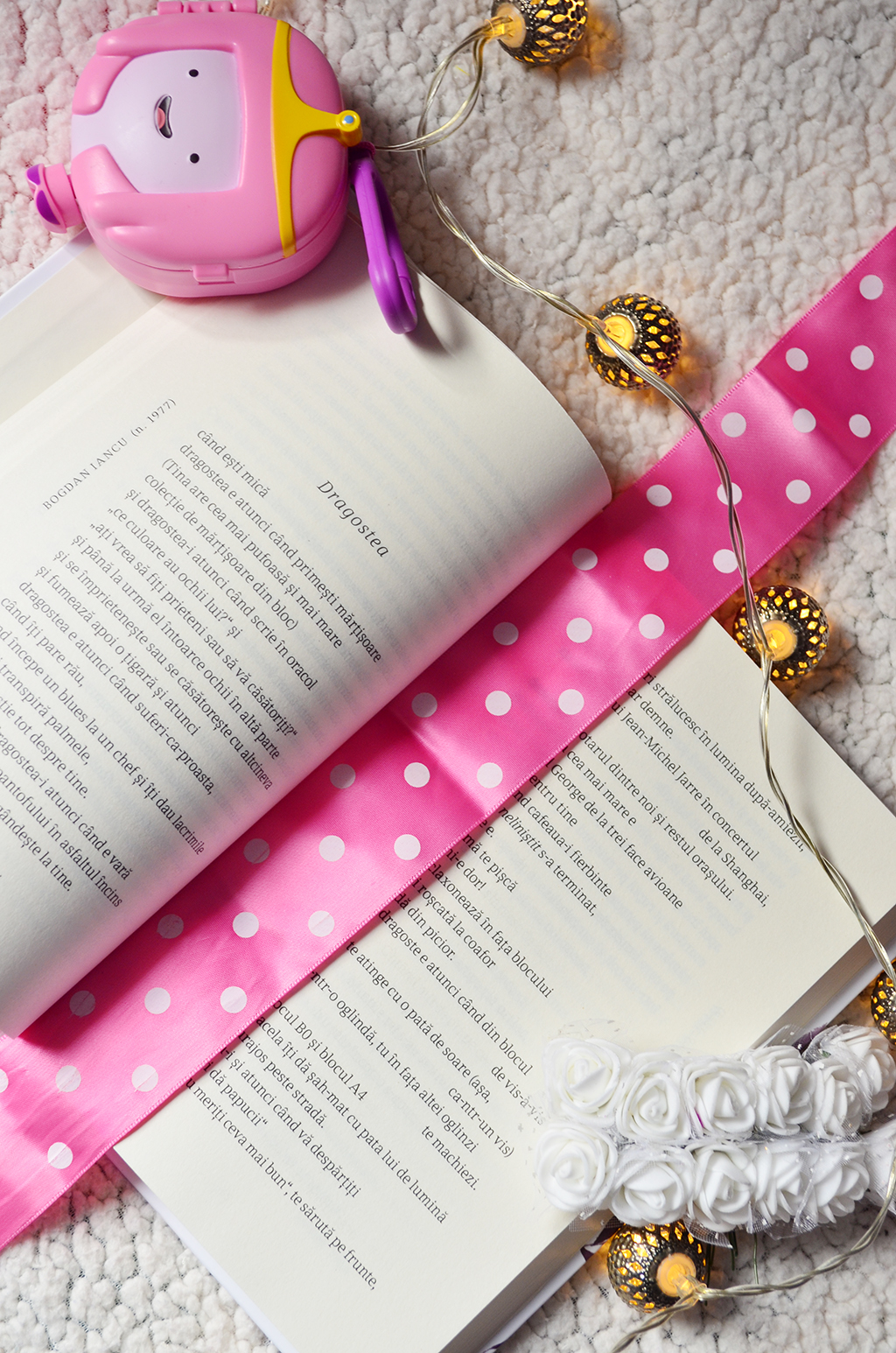 cadou carte dragobete 111 cele mai frumoase poezii dragoste banda desenata batman