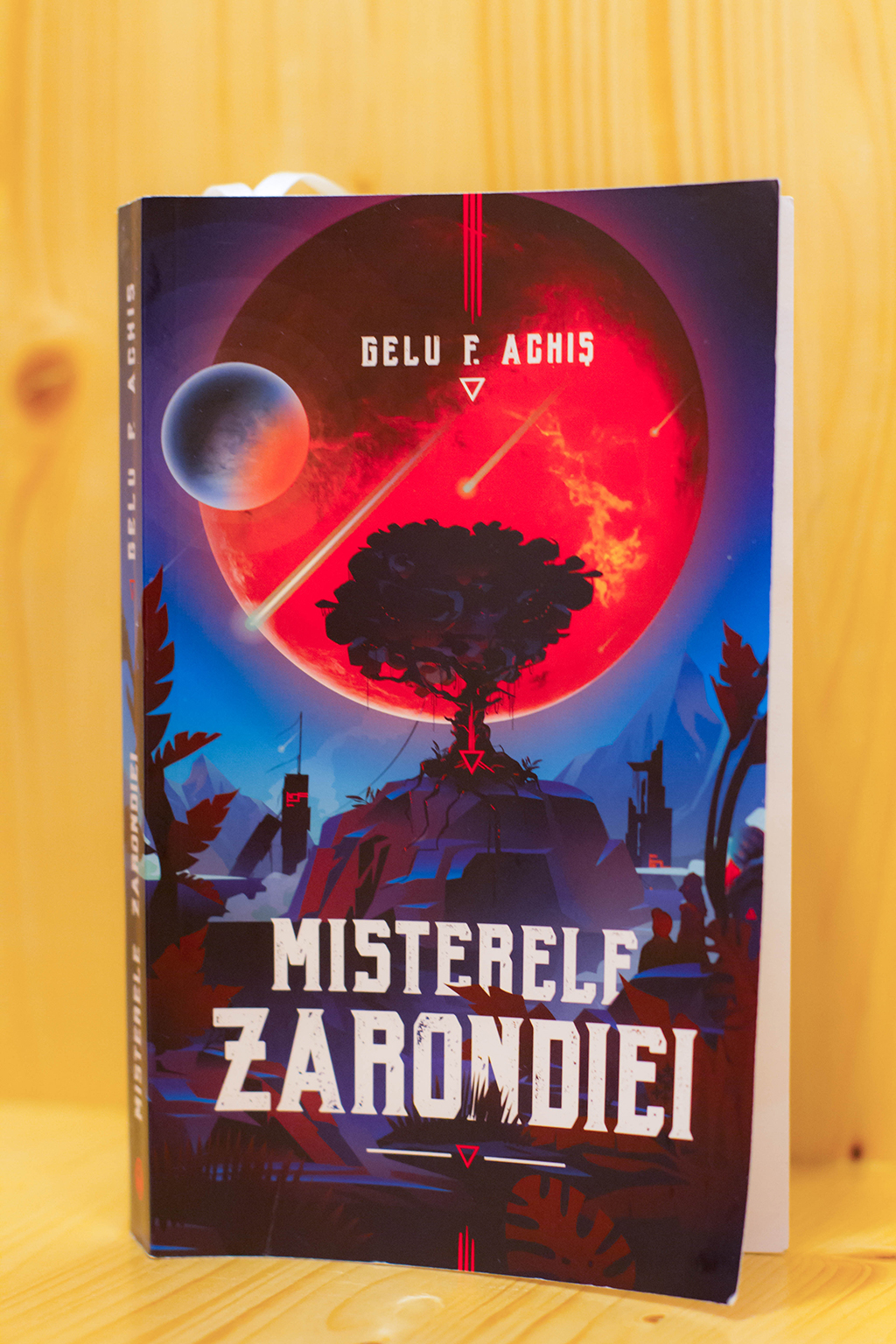 recenzie carte misterele zarondiei gelu achis science fiction