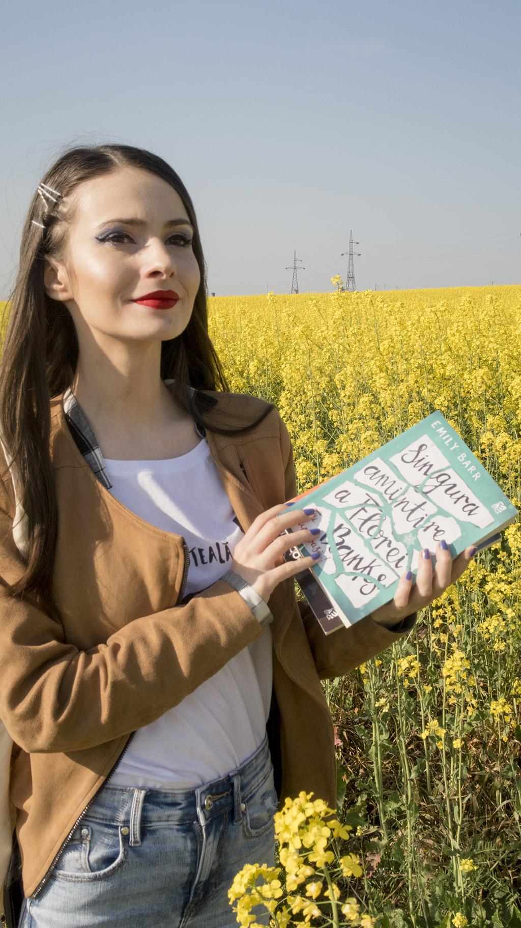 carti epica sub soarele noptii girl online zoe sugg singura amintire a florei banks