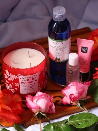 igiena pe timp de pandemie lumanare parfumata bath body works japanese cherry blossom igiena aerului gel curatare maini