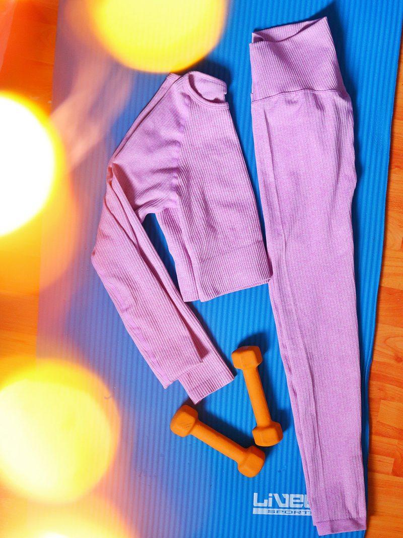 echipament mulat de yoga lavanda de pe ever pretty