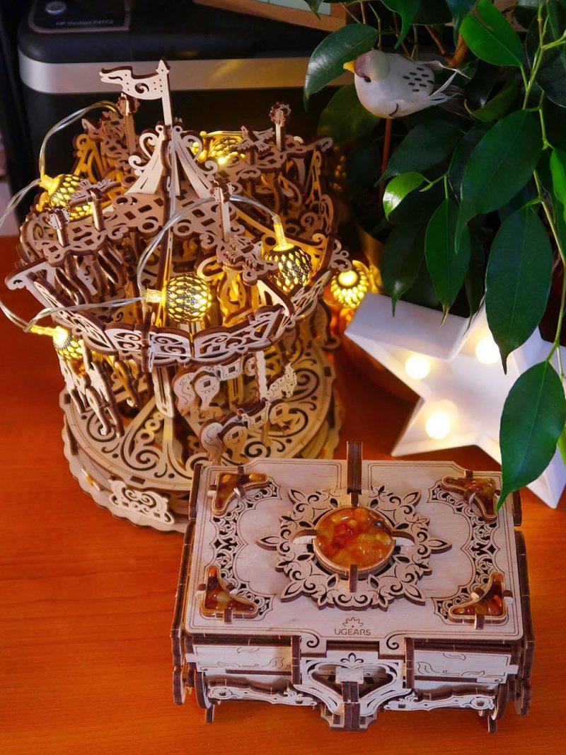 ugears models puzzle mecanic lemn caseta bijuterii editie limitata chihlimbar carusel cai reducere