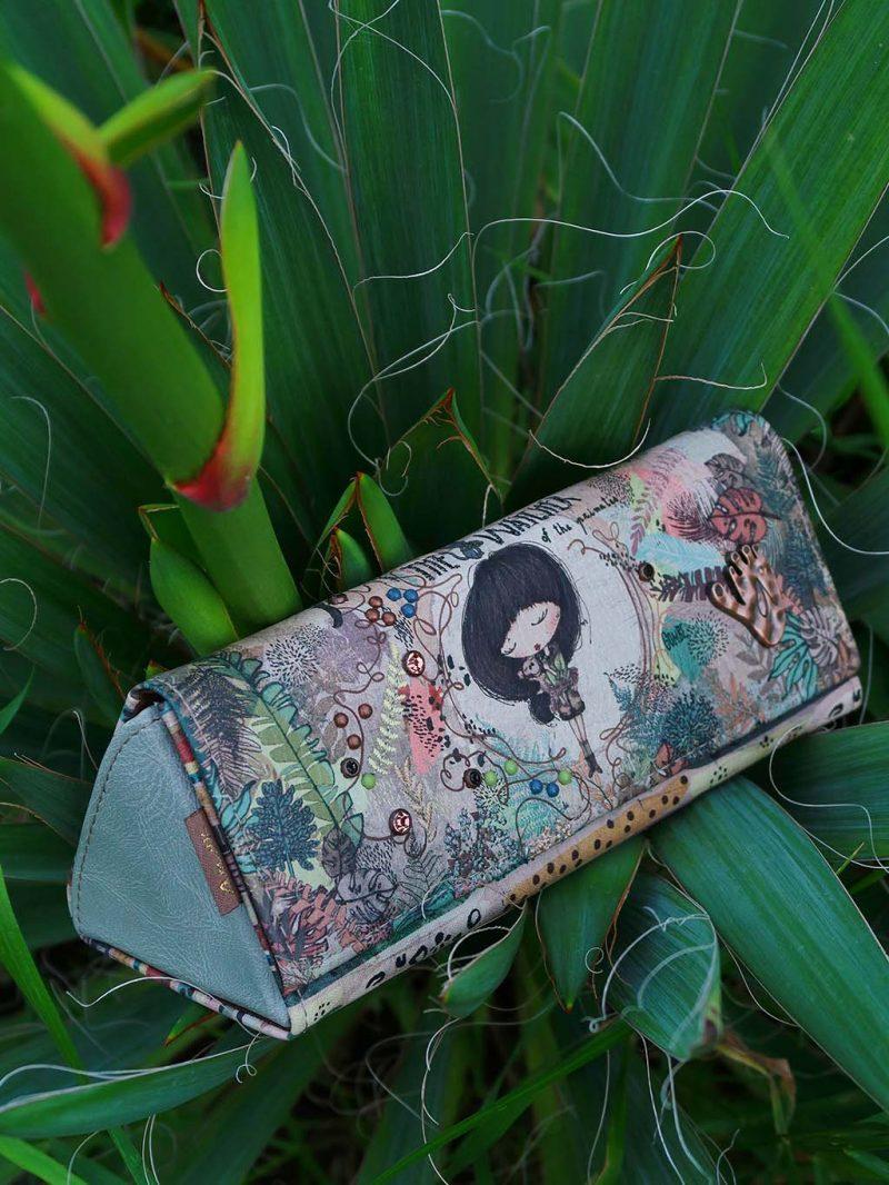 bookidz genti ce se afla in geanta mea anekke kenya portofel ixchel etui ochelari jungle portfard sacosa cumparaturi