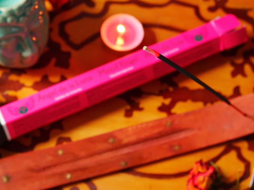 comanda vreauceva produse lucrate manual de mestesugari din toata lumea spiritualitate difuzor arome lumanari ulei esential mandarine may chang buddha betisoare parfumate